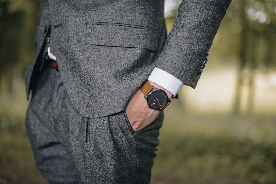 The Complete Guide To Business Dress Codes for Men 7