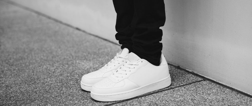 15 Best Minimalist Sneakers For Men in 2020 – Buyer's Guide & Reviews 2